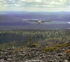 Aerogeofysikaalista lentomittausta Kittilässä. Kuva: J. Väätäinen, GTK.